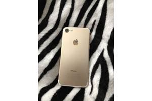 Мобільні телефони, смартфони Apple iPhone 7