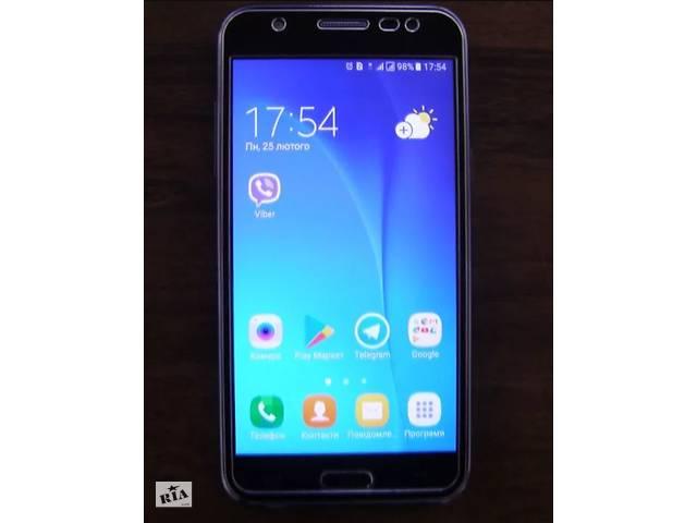 Мобільний телефон Samsung Galaxy J5