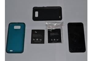 б/в Мобільні на дві СІМ-карти Fly