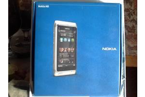 б/в Мобільні на дві СІМ-карти Nokia Nokia N8 Silver