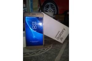 б/в Мобільні телефони, смартфони Samsung Samsung Galaxy J5