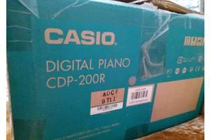 б/в Клавішні інструменти Casio