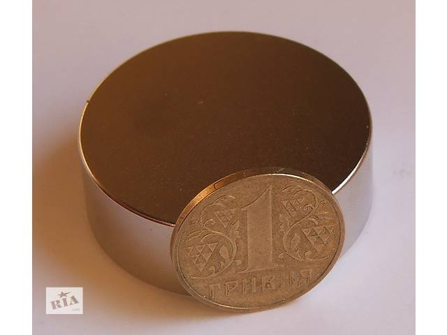 бу Неодимовый магнит магніт 60х30 Сцепление ― 130 кг Намагниченость N-42  в Черкассах
