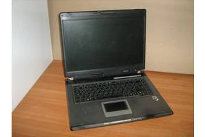 б/в Ноутбуки для простих завдань Asus