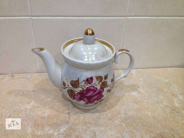 продам Новый фарфоровый заварочный чайник. Производство СССР бу в Харькове