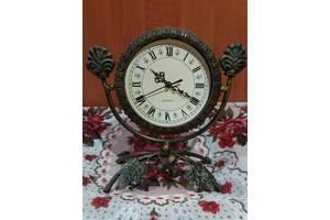 Настільні годинники
