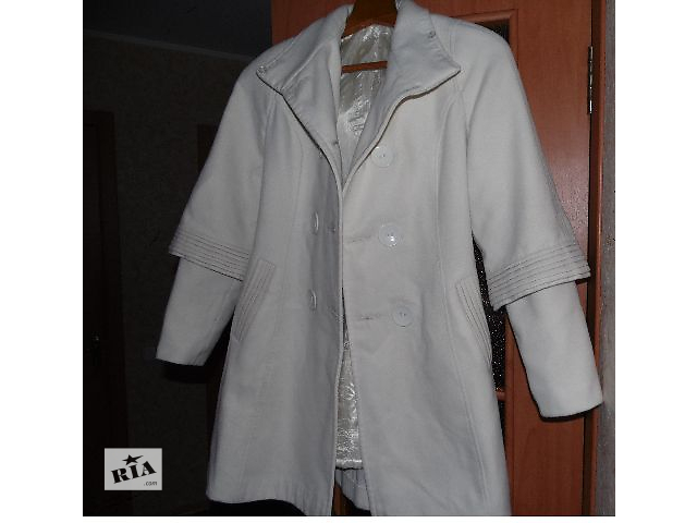 Пальто 42 размер торг уместен- объявление о продаже  в Горишних Плавнях (Комсомольск)