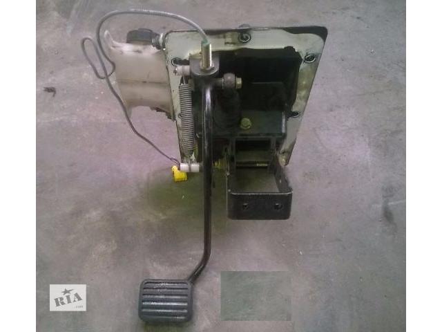 купить бу Педаль сцепления в сборе  для грузовика Daf CF 65\75\85  2005 г. евро 3. в Кременчуге
