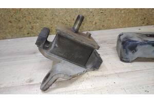 Подушка двигателя права Opel Frontera X22SE