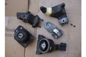 б/у Подушки мотора Mitsubishi Pajero Sport