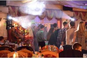 Послуги музиканта на весілля, ювілеї та інші святкові події.
