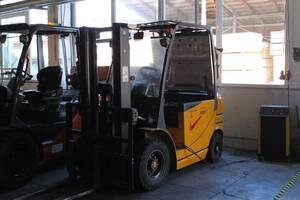 Продається несправний-слабкий акумулятор електричний автонавантажувач XILIAN FB25