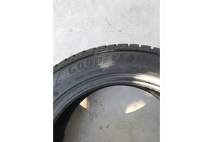 Продам шины 215/55 R17 Goodyear Ultra Grip новые