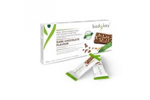Батончик энергетический со вкусом черного шоколада, bodykey от NUTRILITE™ 14 батончиков в каждой упаковке