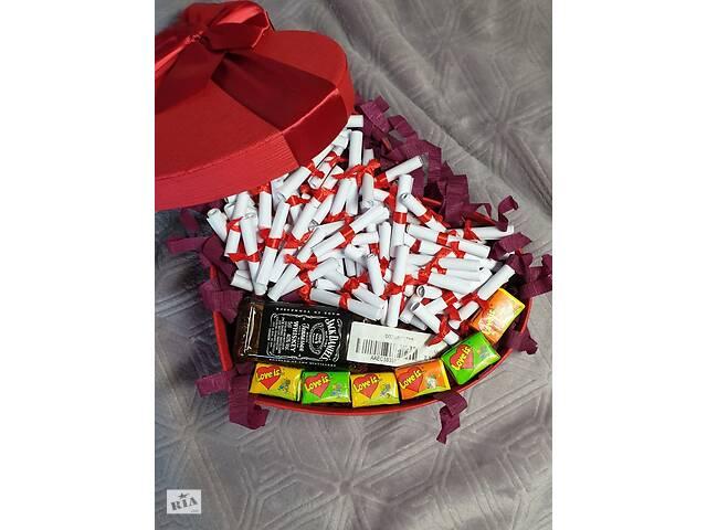 продам Особый подарок для любимого с Love is. .. и сувенирным алкоголем от Jack Daniel& # 039; s бу в Ровно
