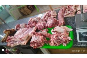 Свежая домашняя свинина без химических добавок
