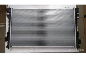 Радиатор охлаждения Ford Explorer 2011 - 2017