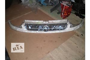 б/у Решётки бампера Opel Vivaro груз.