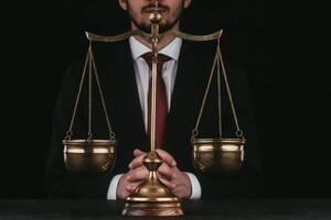 Адвокат по розлученнях, надання правої допомоги складання процесуальних документів, представництво інтересів в судах