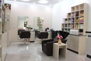 Продам действующий салон красоты YVONNE в спальном районе Киева