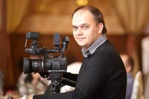 Видеооператор Харьков, Видеограф Денис Фатьянов. Свадьба, корпоратив, утренник, юбилей