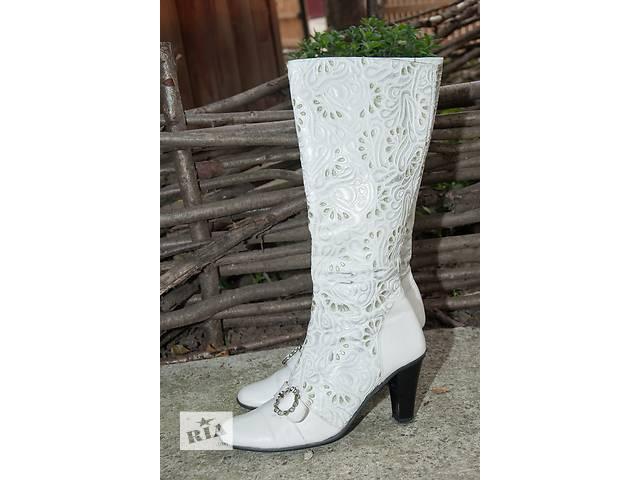 Білі шкіряні чоботи Madiro 2f9d20f48664d