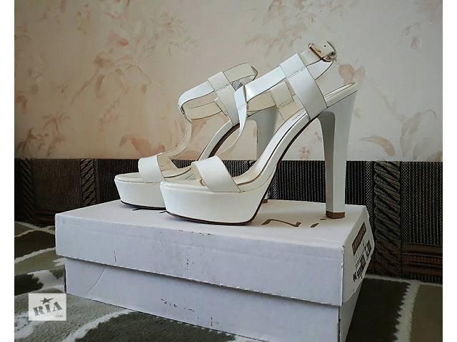 Продам босоніжки жіночі - Жіноче взуття в Харкові на RIA.com ddad34f2241b3