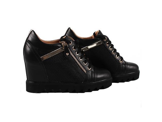 879e32f6b Стильные женские сникерсы Favi (кожаные, черные, на платформе, демисезонные,  на шнуровках