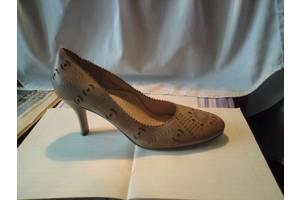 Нові Туфлі BLOSSEM
