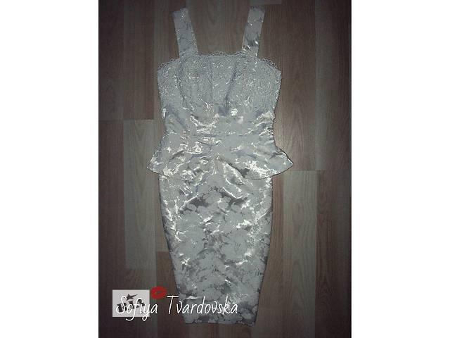 бу Шикарное платье из дорого атласа в Червонограде