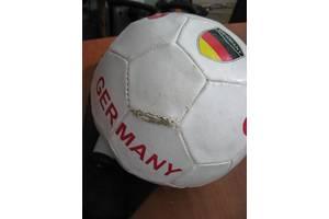 б/в Футбольні м'ячі
