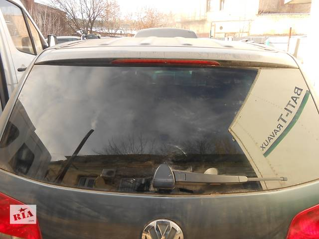 Стекло крышки багажника Volkswagen Touareg Фольксваген Туарег 2003-2009- объявление о продаже  в Ровно