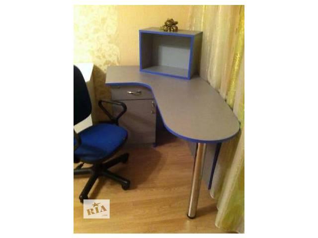 купить бу Стол компьютерный+кресло бесплатно в Киеве