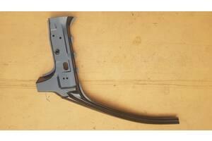 Стойка кузова передняя правая Skoda Octavia Tour 02р- 1U6809606E