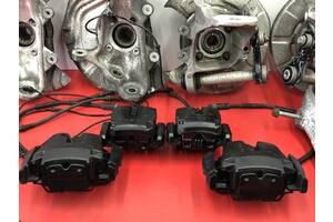 Супорта переднии/заднии тормозные диски BMW X5 E70 F15 Колодки БМВ Х5 Е70 Ф15