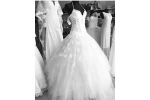 Весільні сукні недорого - купити сукню на весілля бу в Ужгороді 43b7d280c151f