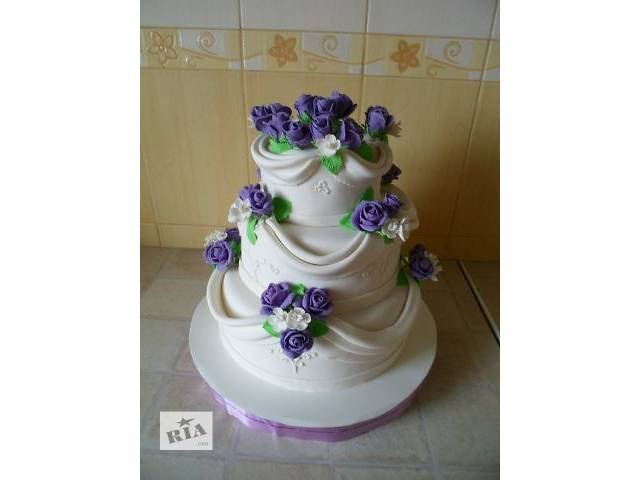 бу Свадебный 3-х ярусный торт с тканью и розами  в Киеве