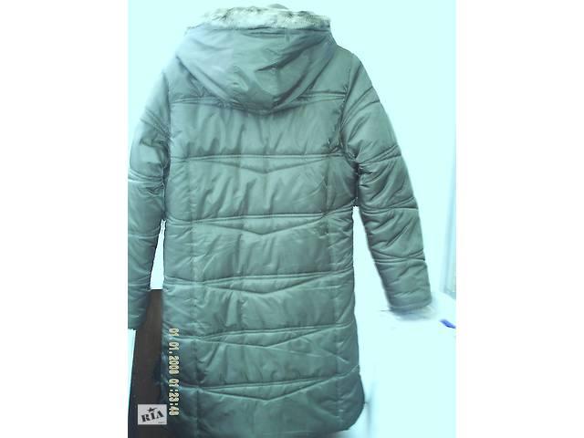 купить бу Тёплая стильная куртка-пуховик с капюшоном в Житомире