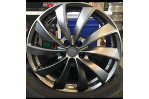 "Tesla Turbine Wheels 19"" + Goodyear Eagle Touring All-Season шинах"