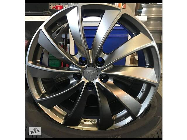 "продам Tesla Turbine Wheels 19"" + Goodyear Eagle Touring All-Season шинах бу в Херсоне"
