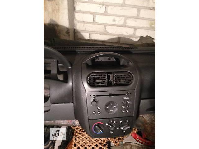 купить бу Торпедо/накладка Opel Combo (Corsa)  груз. в Львове