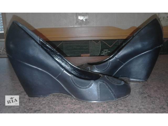 продам туфли женские р.38 отл.состояние бу в Виннице