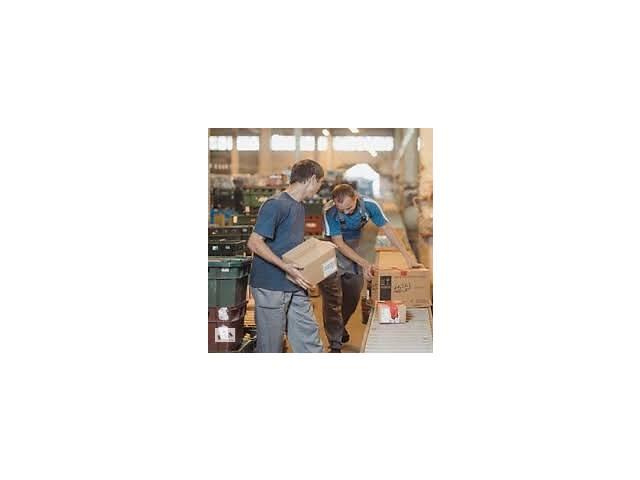 продам Работники склада (Литва) бу  в Украине