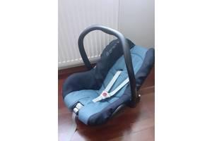 Авто крісло - переноска Maxi cosi