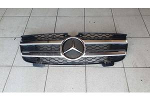 Б/у решітка радіатора для Mercedes GL W164