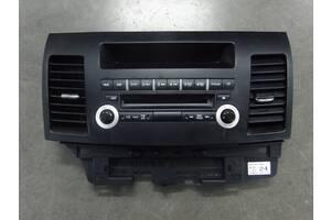 Панель управления магнитолой Mitsubishi Lancer X 07-14р. 8002A37BXA