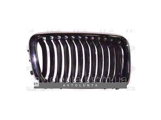 купить бу Решетка радиатора BMW 7 E38 99-02 правая (FPS) в Киеве