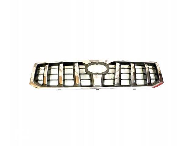 купить бу Решетка радиатора Toyota Land Cruiser Prado J120 '03-09 (FPS) хром/черная 5310160320 в Киеве