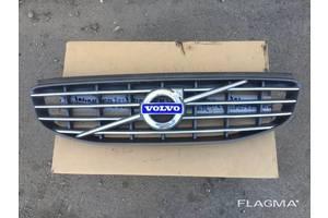 Решітка радіатора Volvo XC90 Вольво XC90 оригінал 31333832 від 2015-рр.