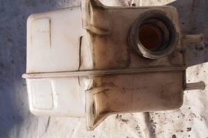 Вживаний бачок розширювальний для Iveco 35\12 1995рв на івеко 1995рв мотор 2.5тд ціна 750гр не битий не клеїний гаранті
